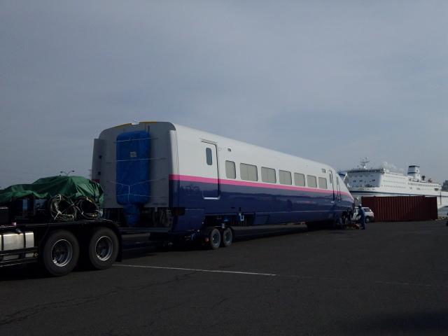 E2系陸揚げ開始