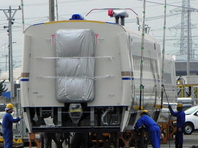 E7系F1編成3号車 E725-1: N0320W...